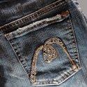 Bu Yazın Kraliçesi Mavi`nin `Pırıltılı Jeans`leri...
