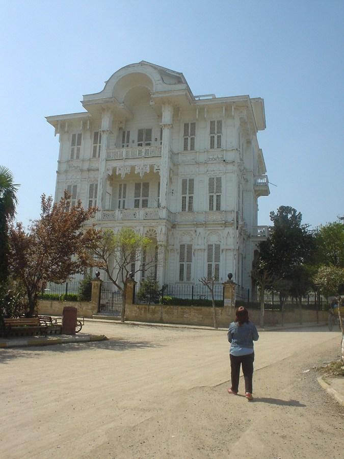 Büyükada`da Köşk - Mustafa Kırcı