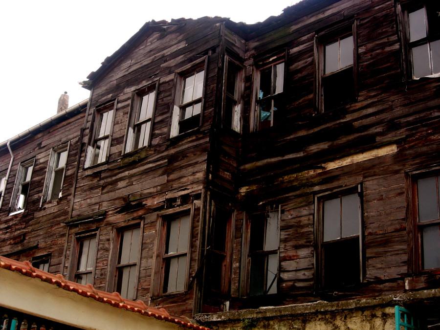 Eski Evler - Turgay Yürenk