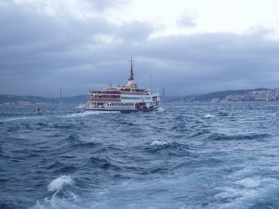 İstanbul Boğazı - Özcan Akbaba
