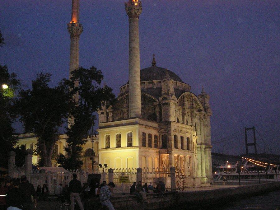 Ortaköy Camide Gece - Ajda Çiçek