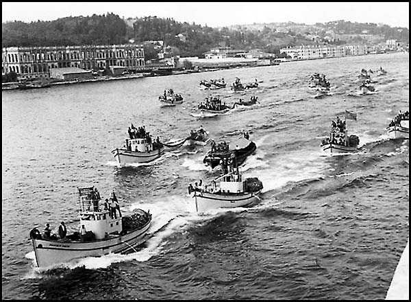 Boğaz`da Balıkçı Tekneleri