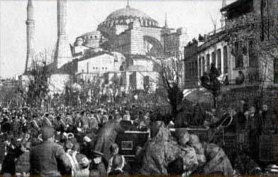 İstanbul`da Bir Miting
