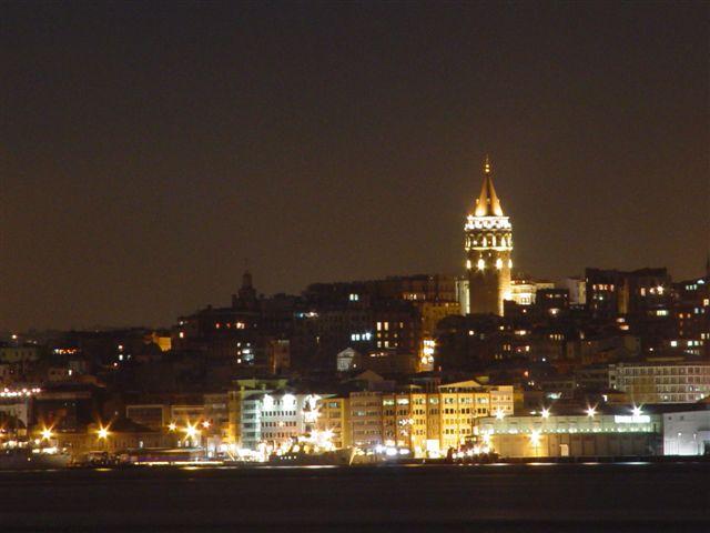 Galata`da Gece - Atilla Keskiner