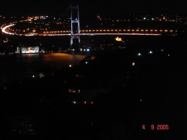 İstanbul Boğaz`ında Gece - Ebru Koz