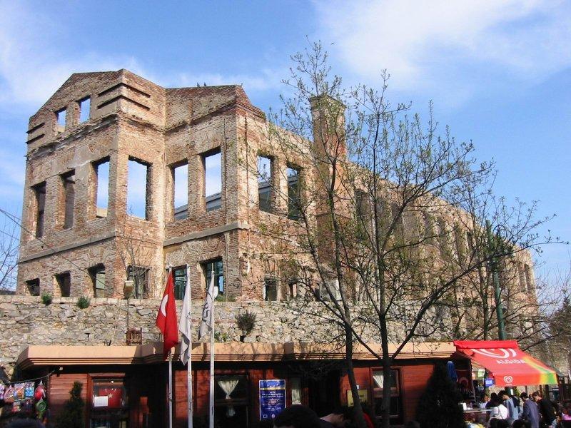 Esma Sultan Yalısı (Ortaköy) - Oya Sarıer