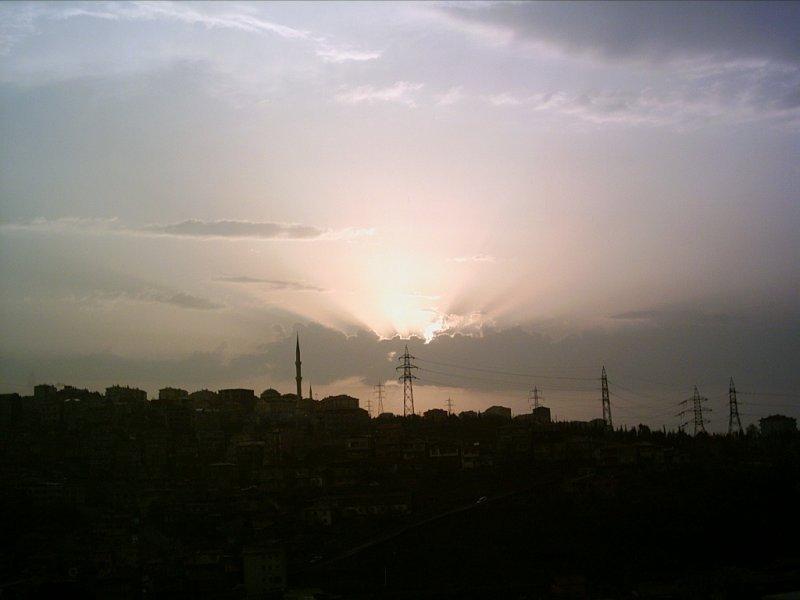 Alibeyköy`de Günbatımı - Hayriye Onat