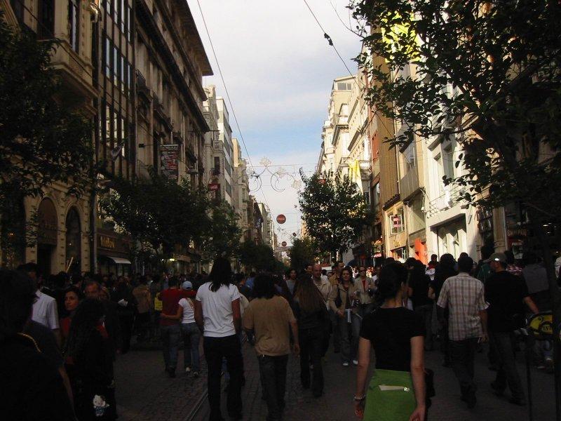 İstiklal Caddesi - Oya Sarıer
