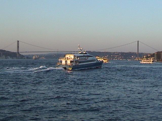 Boğaz`da Gemi - Kaan Temizer