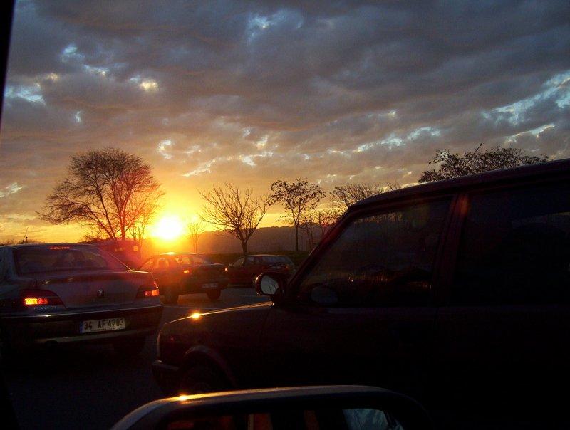 Merter`de Günbatımı - Nur Bostancı