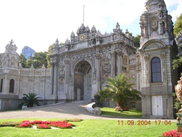Dolmabahçe Sarayı - Ömer Bostan