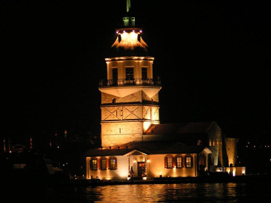 Kız Kulesi Gece - Ömer Bostan