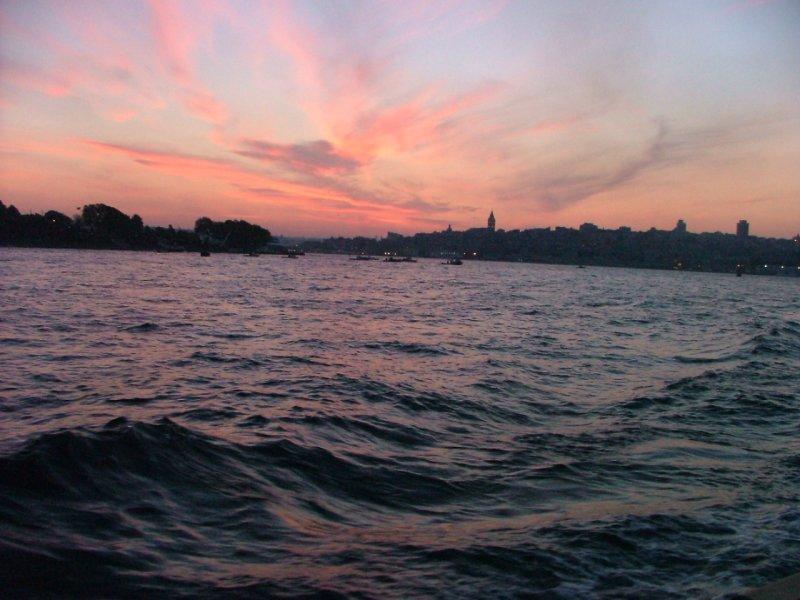 İstanbul`da Günbatımı - Taner Diler