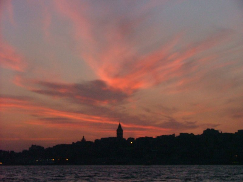 İstanbul`da Akşam - Taner Diler