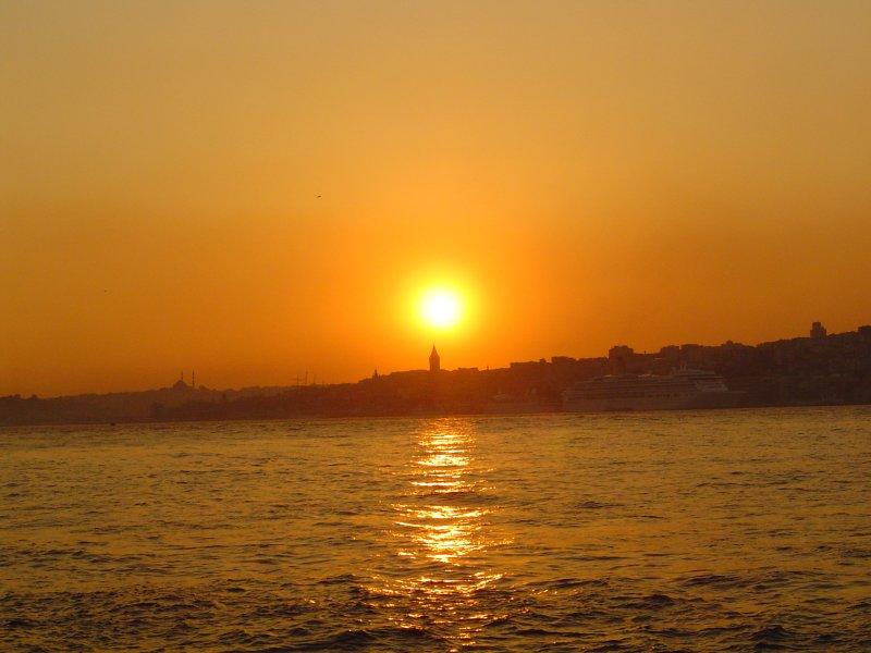 İstanbul`da Gün Batımı - Zafer Kahya