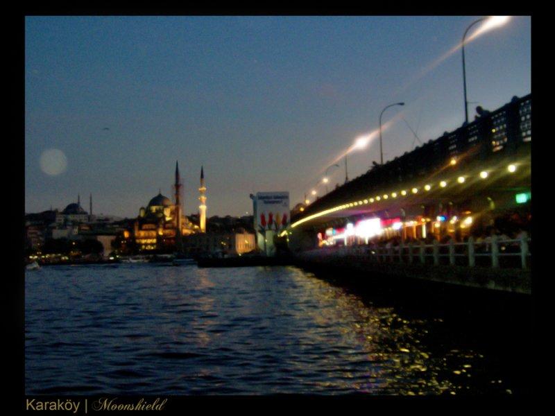 Karaköy`den Bakış - Emine Öztürk
