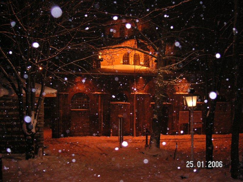 Kar Yağarken Kariye Müzesi - Cabir Yıldız
