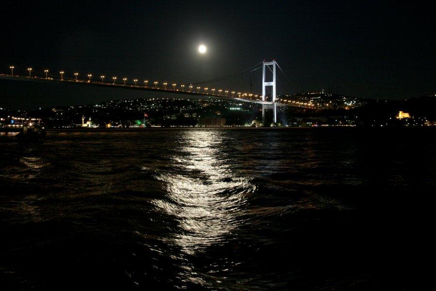 Köprü`de Gece - Ferit Cengiz