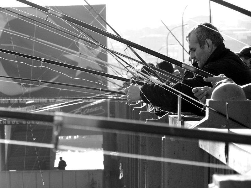 Galata Köprüsü`nde Balıkçılar - Cihan Akın