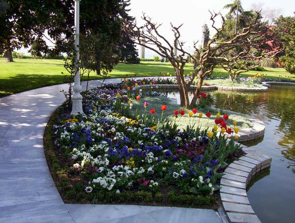 Dolmabahçe Sarayı Bahçesi - Kubilay Gündoğdu