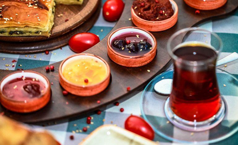HUQQA'nın Yenilenen Kahvaltı Menüsü İle Güne Mutlu Bir Başlangıç Yapın