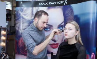 Max Factor İle Sevgililer Günü'nde Güzelliğinizle Büyüleyin…