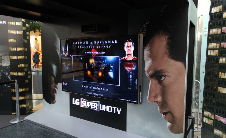 LG ile Batman v Superman Deneyimi Akasya Acıbadem'de!