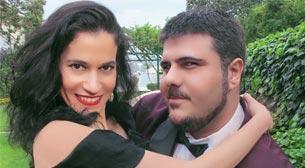 Ayhan Sicimoğlu Sunar:Vive l'Amour!