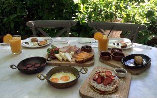 Yaz Günlerinde Sabah Keyfi ; Cezayir Bahçe'de Kahvaltı