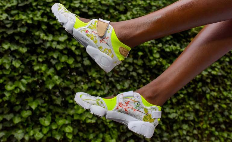 NikeCourt ve Liberty İş Birliğiyle Yaz Ayakkabılara Geliyor