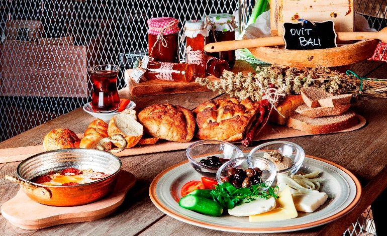 Kahvaltının En Tatlı Lezzetleri Için de Adres Delimonti