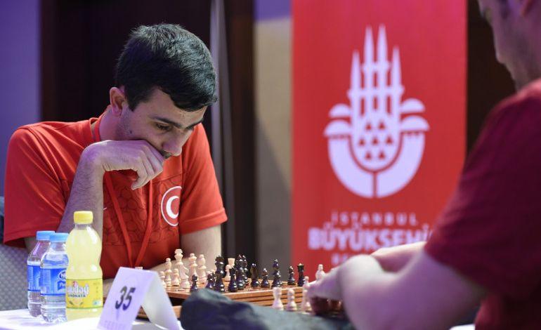 7. Osman Şahin Görme Engelliler Satranç Turnuvası İçin Geri Sayım Başladı