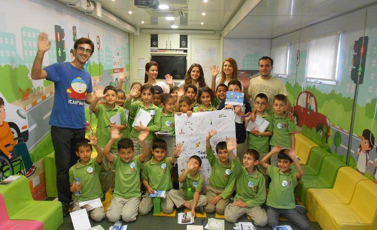 Mercedes-Benz Türk, Mobilekids Projesi ile 'İyi Bir Gelecek İçin' Çocuk Gelişim Fuarı'nda