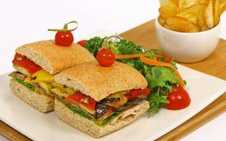 Spor Sonrası Sağlıklı Atıştırmalıklar İçin Partly Cloudy Cafe