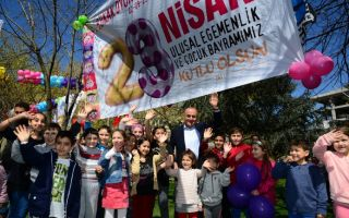 23 Nisan Çoşkusu Kadıköy'de