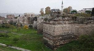 İstanbul'un Sur ve Kapıları
