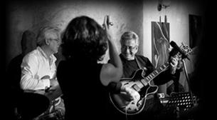 Neşet Ruacan Trio ft. Emre Kayhan