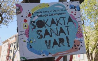 Sokakta Sanat Var Derneği ile Sanatın Sesi Şehir Meydanlarından Yükseliyor