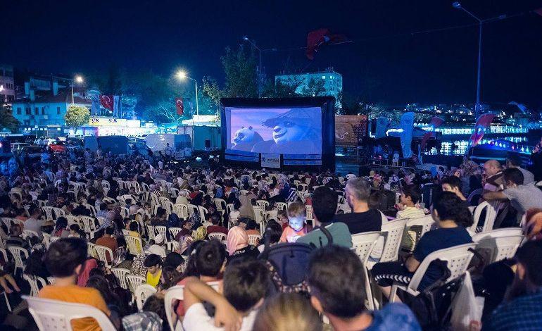 5. Sinemasal Açık Hava Sinema Festivali Aşk Temasıyla Başlıyor!