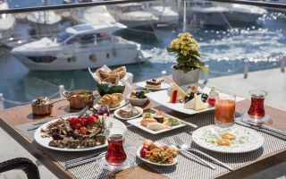 Annelere Özel Brunch The Grand Tarabya'da