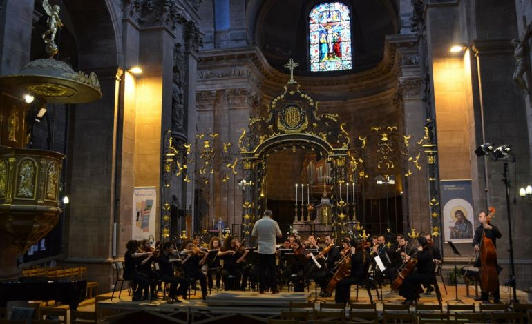 Festival Genç Solistini Sunar