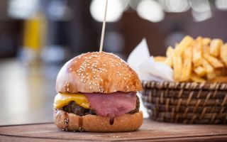 Nusr-Et Burger Üç Yeni Noktada Misafirlerini Ağırlamaya Başladı!