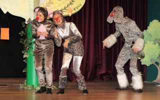 Trumpland'de Bu Hafta Sonu Çocuklar Rüzgar Gülü Yapacak Tiyatro İzleyecekler