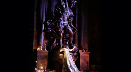 Royal Opera House Gösterimleri: Tos