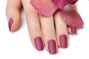 Golden Rose`un Yeni Oje Serisi ile Tırnaklar Ultra Mat