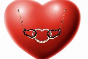 Melek Kanatları Aşk Dolu Kalbinizi Sevdiğinize Taşıyacak