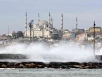 İstanbul`da Lodos Etkisini Arttırarak Devam Ediyor