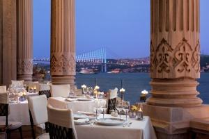 Tuğra Restaurant Lounge Sevgiye Adanmış Menüler