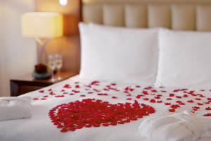 Mövenpick Hotel İstanbul'da Büyülü Bir Aşk Masalı