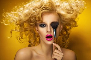 Makyajınız Saç Renginize Uyum Sağlasın